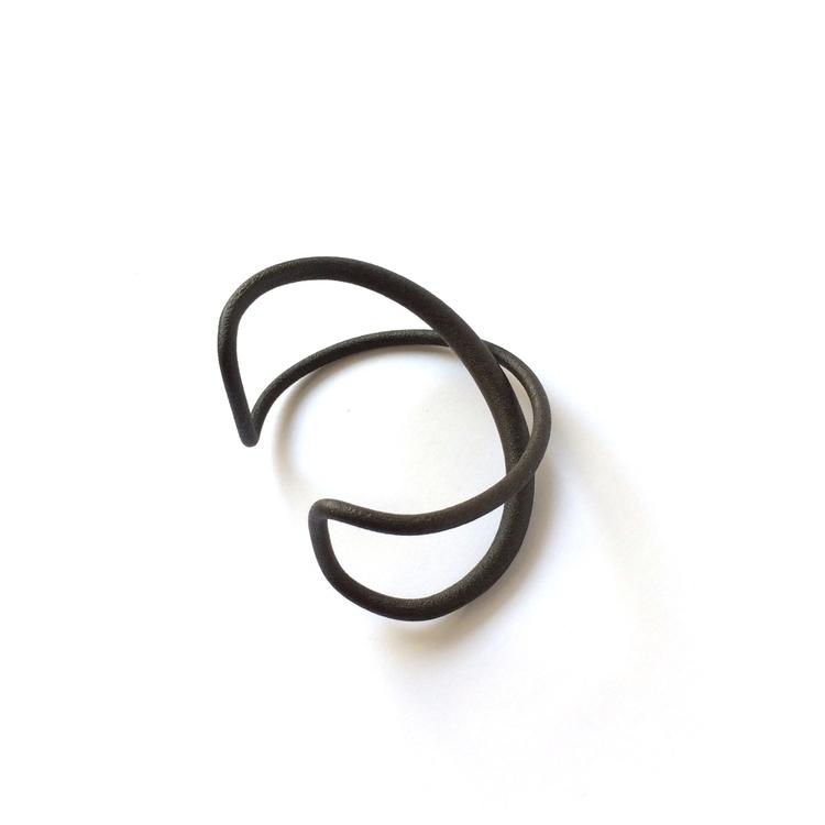 :curly_loop:ParalaX - cuff, black - dvgt | ello