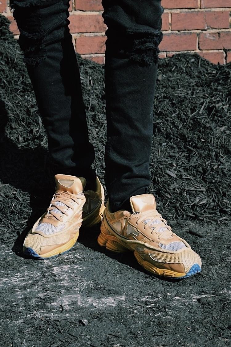 Zapatos:zap:️ - photography, ello - jmoscoso | ello