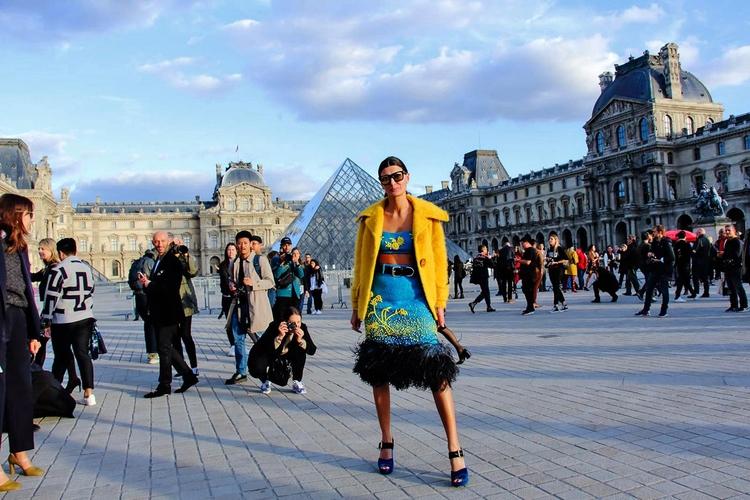 Street style Musée du Louvre (4 - fashionsnap | ello