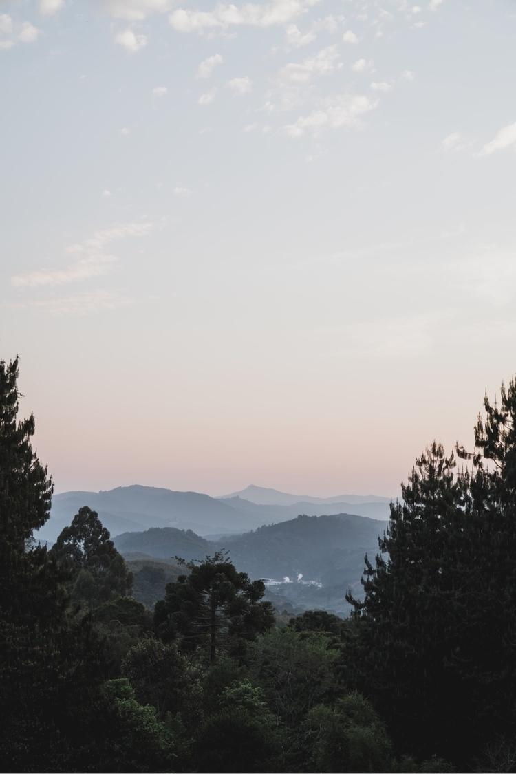 view weekend. good nature. ==  - danmagatti   ello