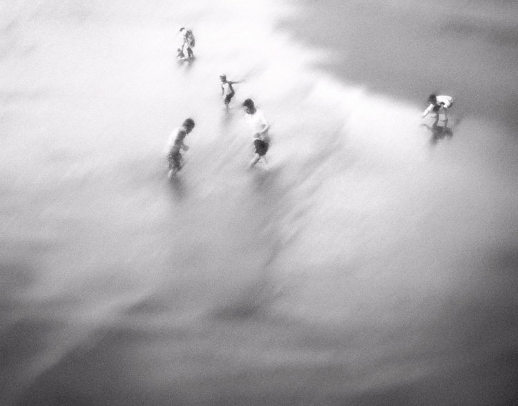 Play waves - photography, monochrom - elhanans | ello
