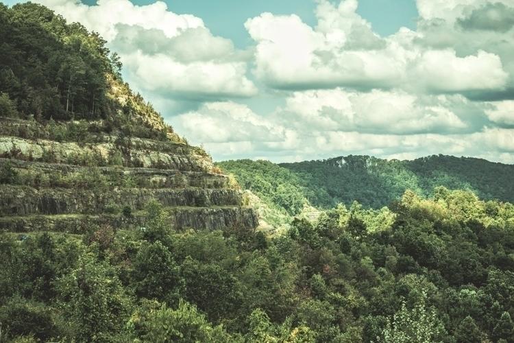 mountainside looms West Virgini - iangarrickmason | ello