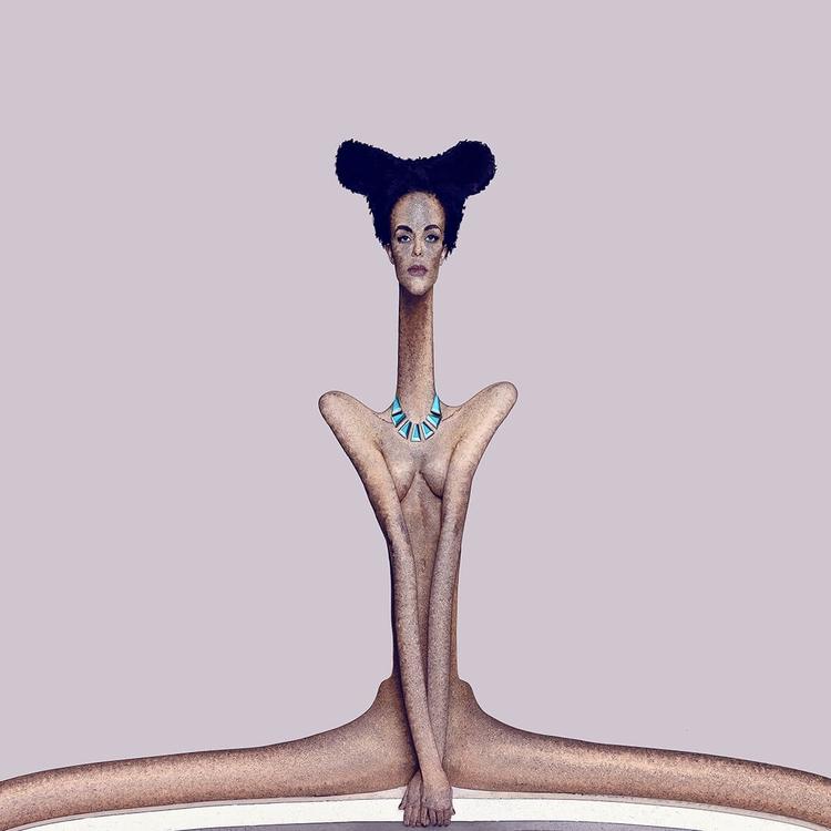 ILLUSTRATION - Synthetic Body 1 - comoyoti   ello