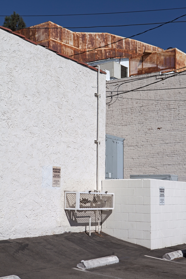 Wall, Honolulu Ave, Montrose Do - odouglas | ello