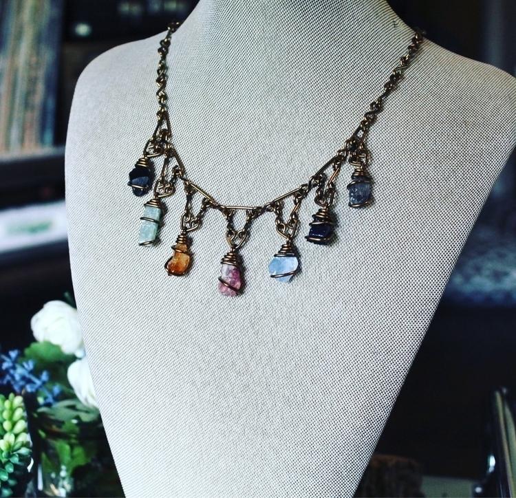 Raw gem *chakra* necklace - fashion - mermaidtearshawaii | ello