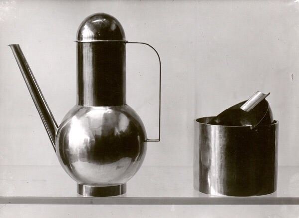 Marianne Brandt, coffee pot ash - bauhaus-movement   ello
