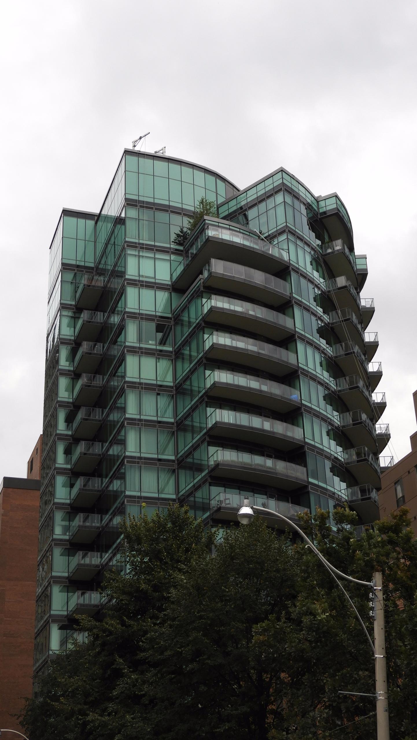 77 Charles West, Toronto - hdr, the6ix - koutayba | ello