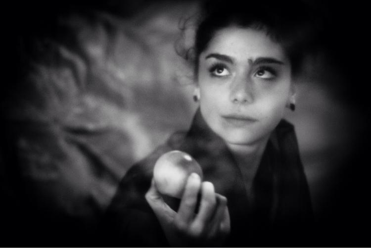 Clotilde reenacting Rossetti - inspiration - anna_bki | ello
