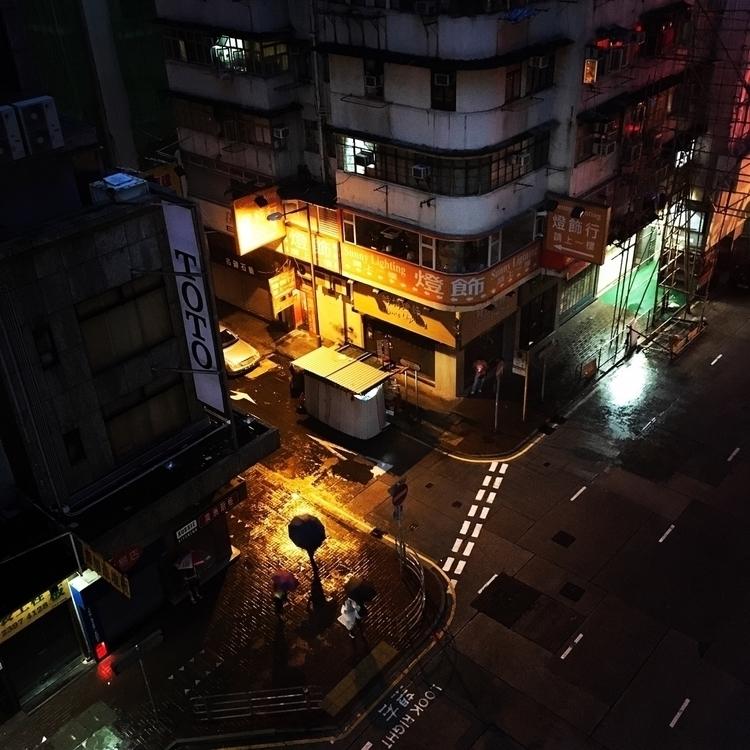 Mongkok, Hong Kong Typhoon - bubi | ello