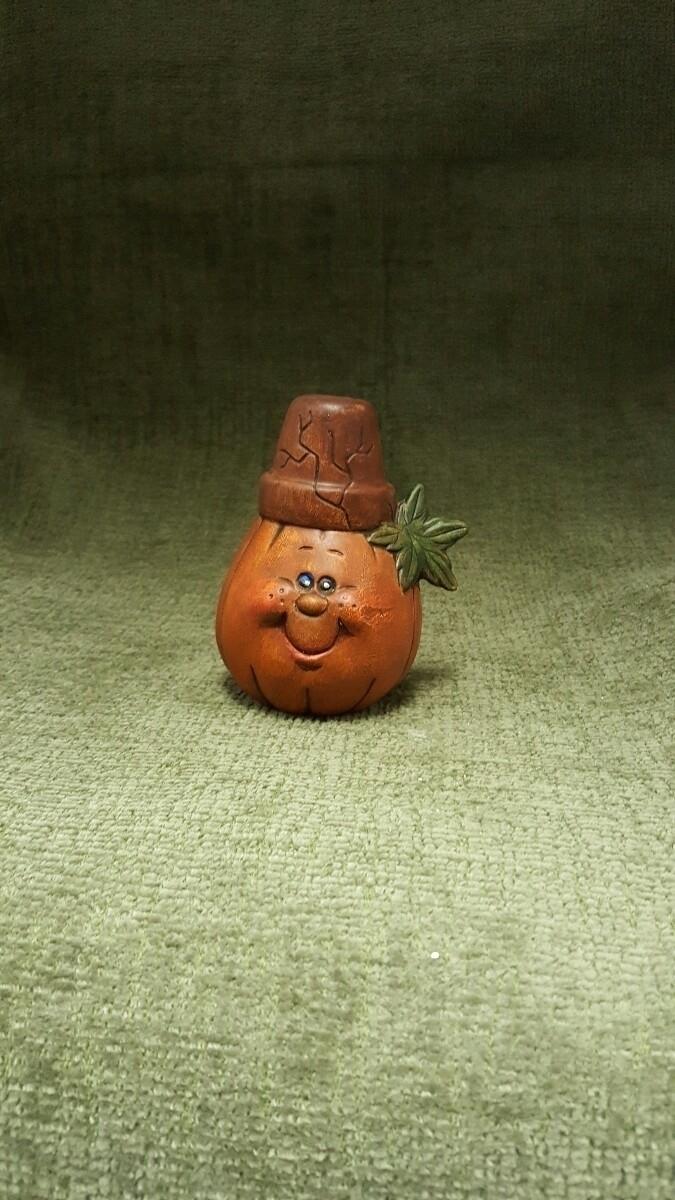 2 adorable crackpot pumpkins ca - hiddenlegacy | ello