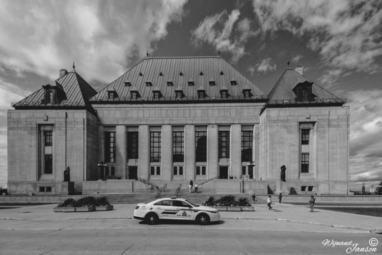 Supreme Court Canada Locatiet:  - artmen | ello
