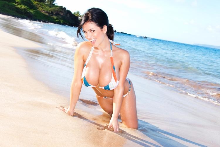beach, bikini, brunette - guermo | ello