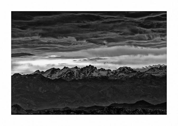 Sunrise, Macizo Central Picos d - guillermoalvarez | ello