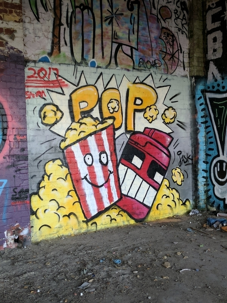 'Popcorn Robot' Fun graffiti co - __jask__ | ello