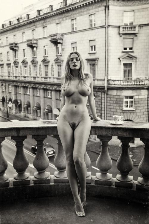 blonde, boobs, tits, naked, nude - ukimalefu | ello