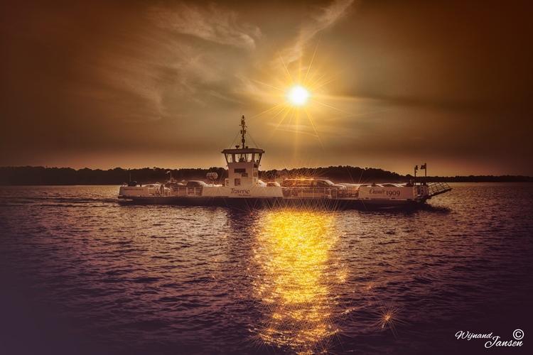 Hudson - Oka ferry crossing, Qu - artmen | ello