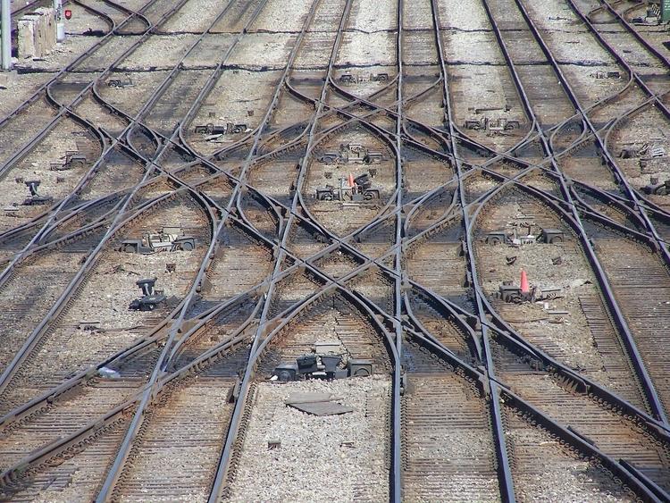 RailwayTracks - shingos   ello