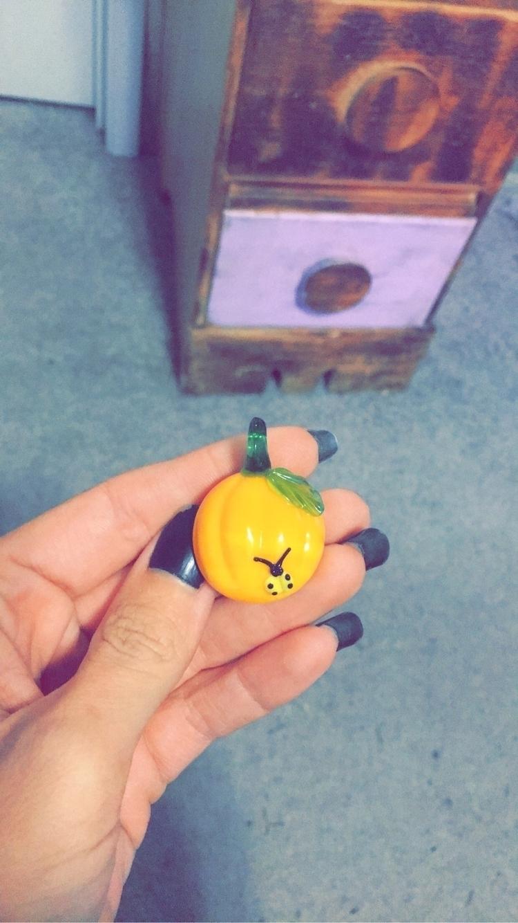 rediscovered beautiful pumpkin  - bodycandybycarlie | ello