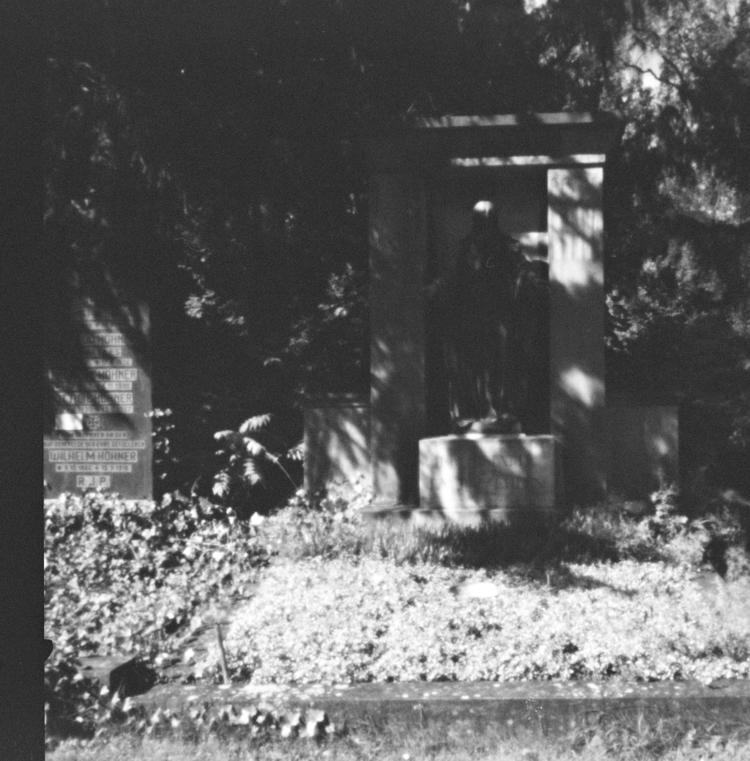 Ostfriedhof XVII - Pinhole Phot - walter_ac | ello