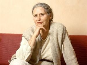 De Britse schrijster Doris Less - romenu   ello
