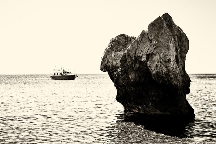 Cretan monolith - Crete, Kriti, holiday - toni_ertl | ello