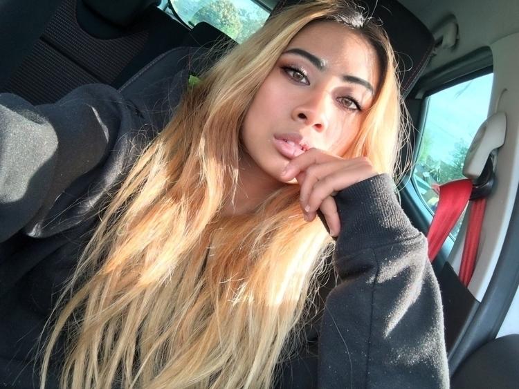 average car selfie - ello, ellonew - mariekeady | ello
