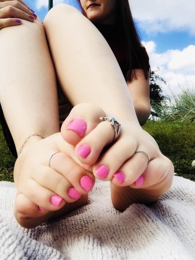 feet, foot, sexy, fashion, pale - datingsitespotcom | ello