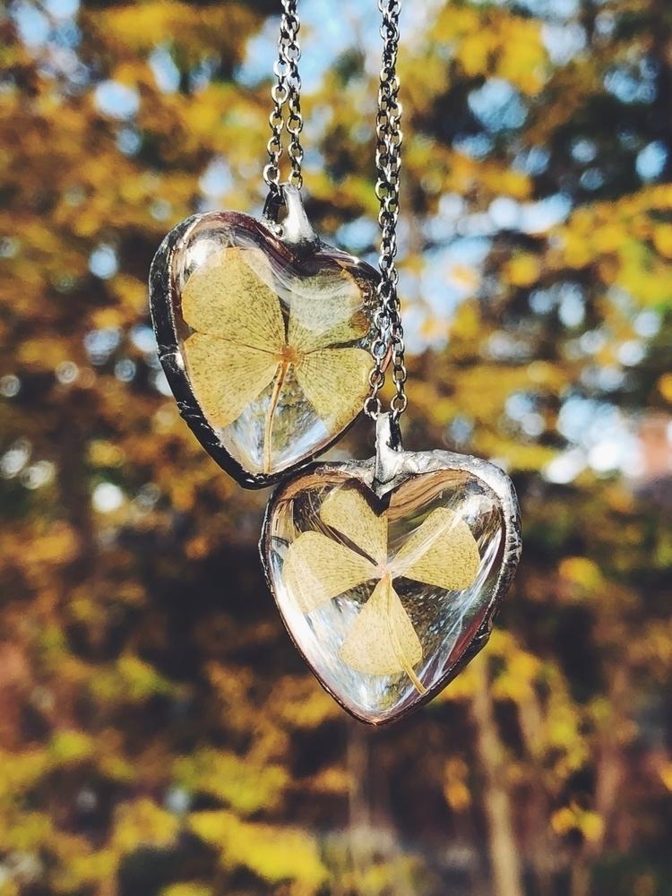 :four_leaf_clover::green_heart - valeriaprieto | ello
