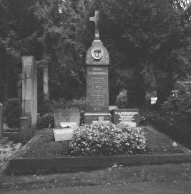 Ostfriedhof XX - Pinhole Photog - walter_ac | ello