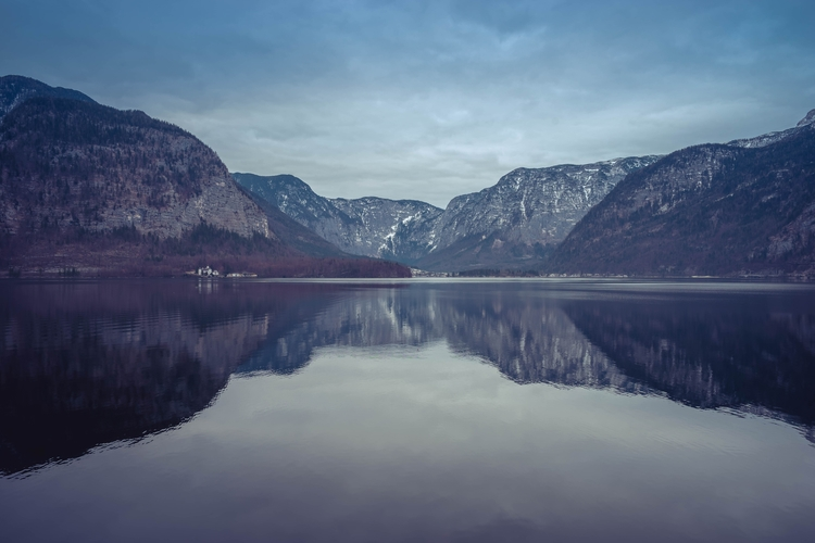 Hallstatt Lake, Austria - gordonchiam | ello