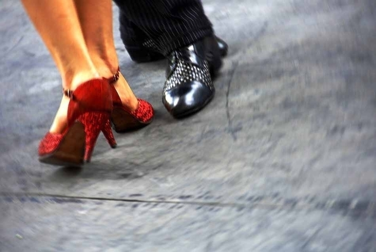 Tango BuenosAires - streetphotography - hixposure | ello