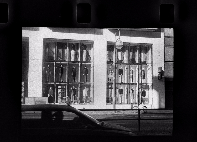 Berlin store window display. Ko - stikka   ello