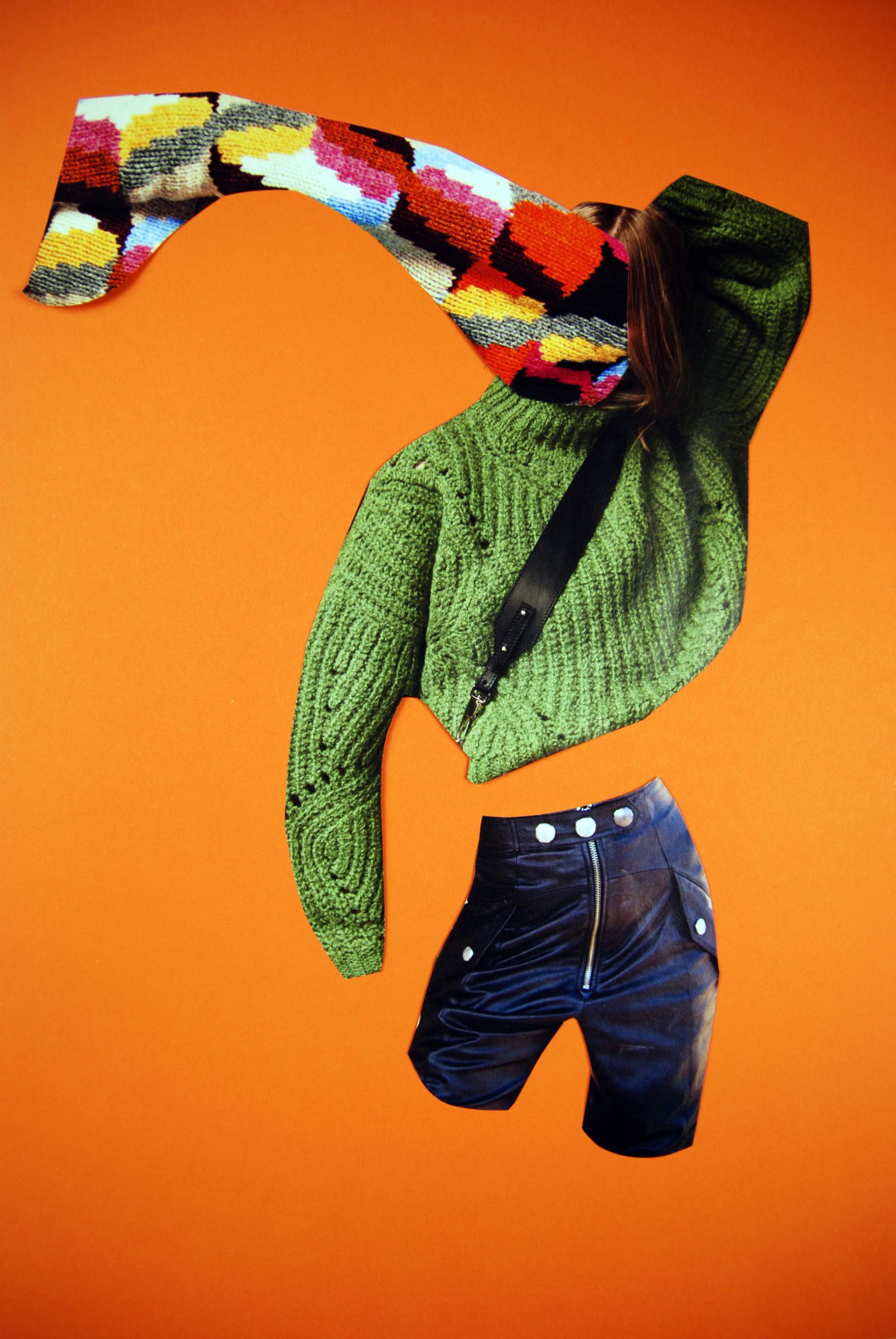 Obraz przedstawia kolaż z elementów zdjęć, widzimy spodenki, zielony sweter, kolorowy sweter zamiast twarzy.