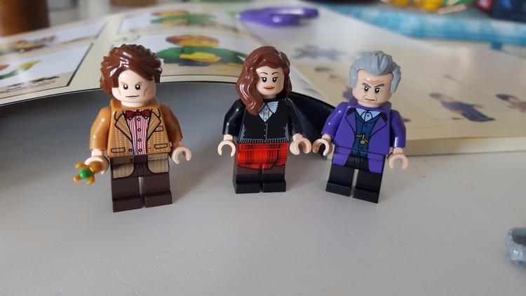 Building Lego TARDIS - doctorwho - sezzyharris | ello