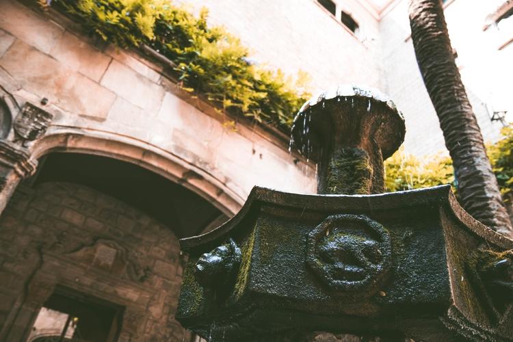 Details Barcelona - barcelons, classic - joanvillalon | ello