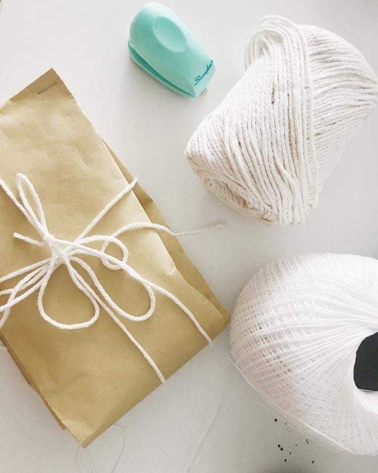 packaging gifts friends - thekaeway | ello