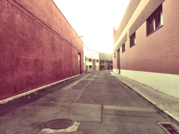 barcelona, urban, besos - this_game_has_no_name | ello