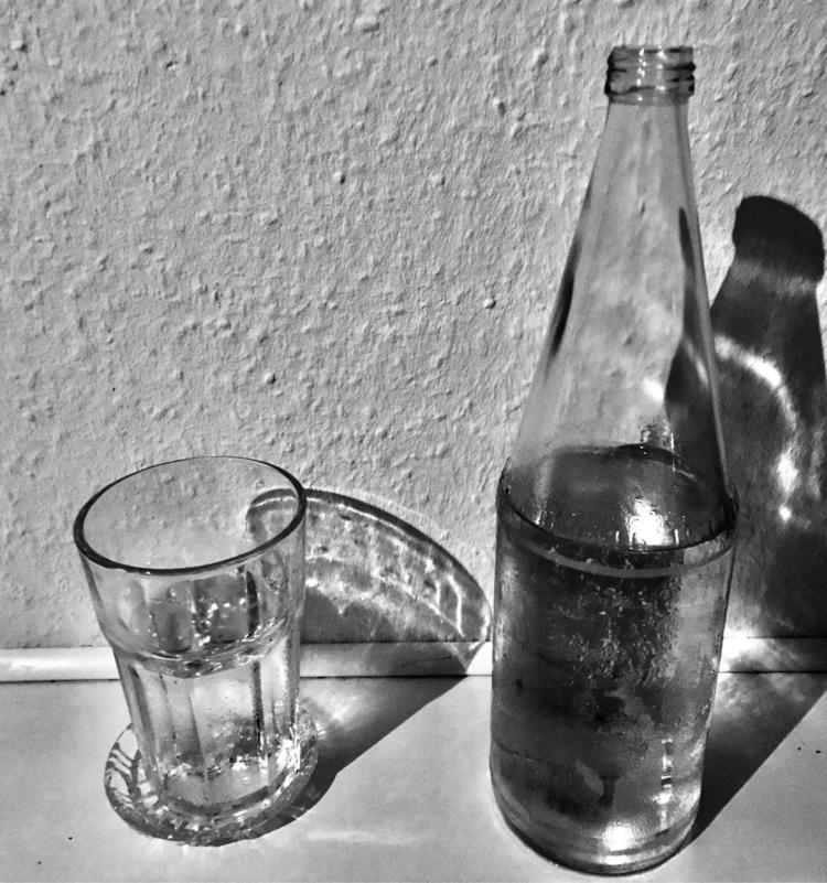 glass, water, noir, smartphonepics - rafael_drumond | ello