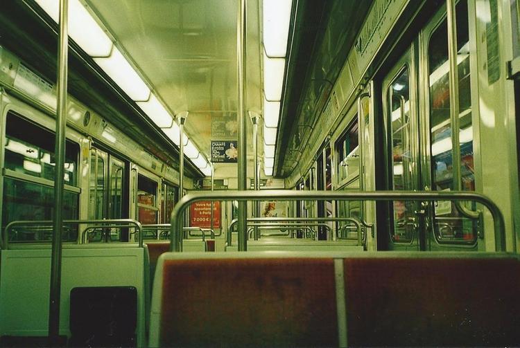 Dans le métro - chloe_triaire | ello