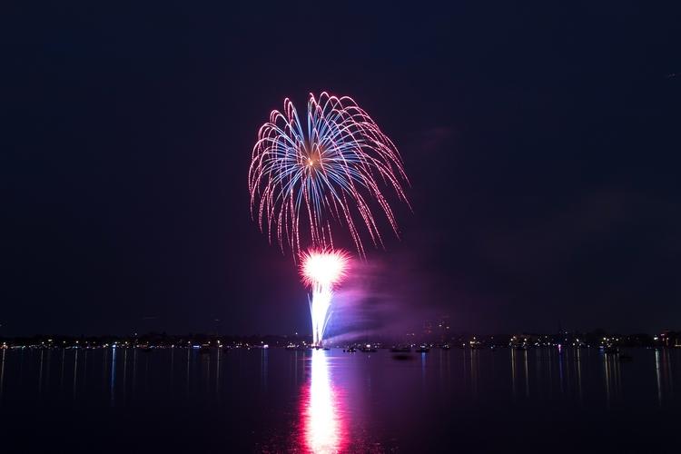 Fireworks - mathiasdueber | ello