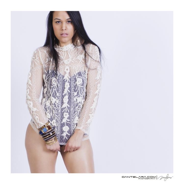Shy Gal - model, artist, singer - dshot23 | ello