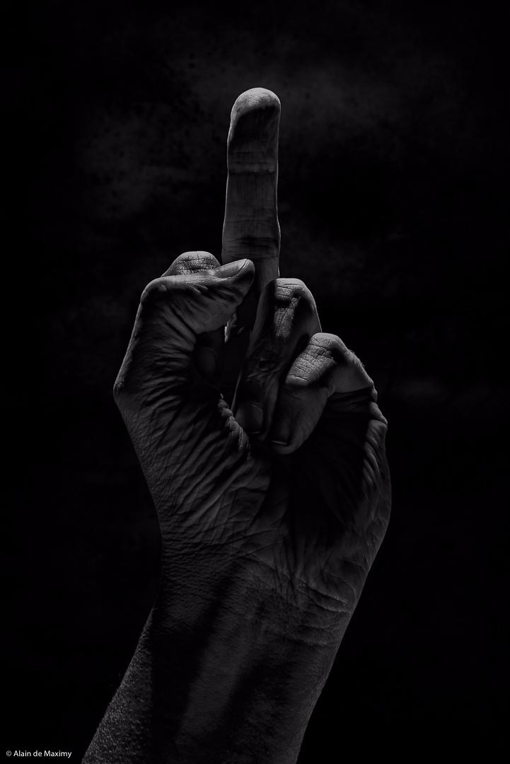 Finger Salute - fingersalute, finger - maximy | ello
