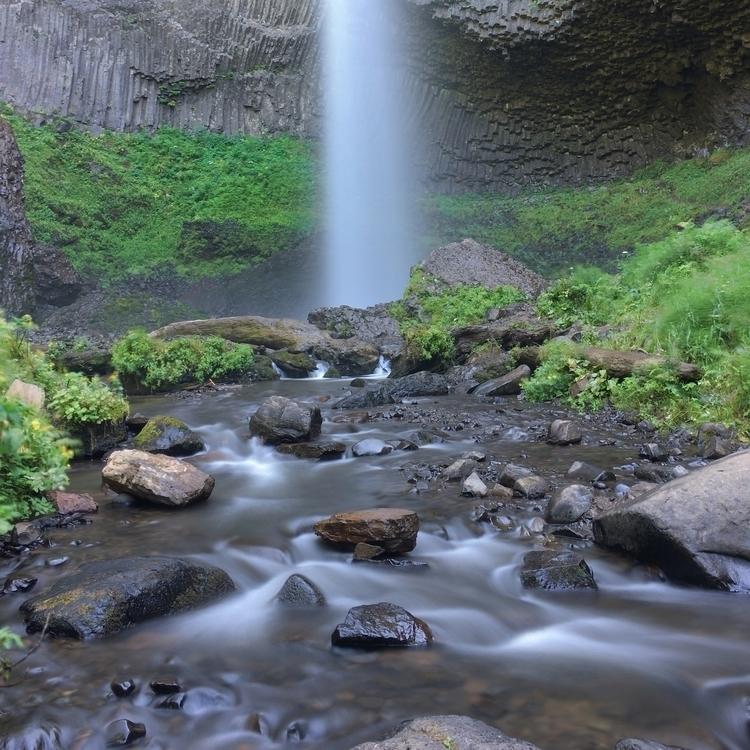 Lava water flow Latourell Falls - yo_matty | ello