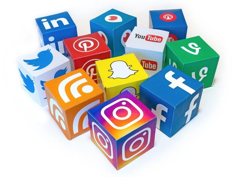 SOCIAL MEDIA OPINION OUTREACH p - website99 | ello