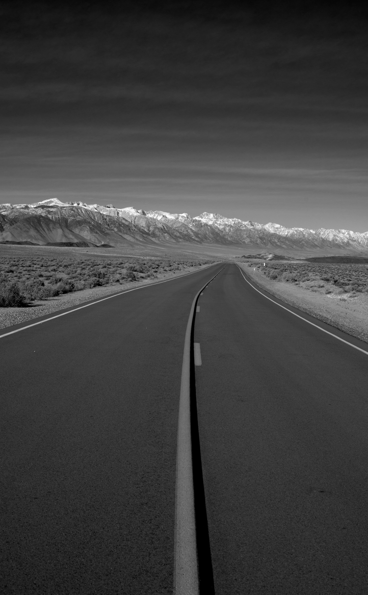 road Death Valley, california,  - gclavet | ello