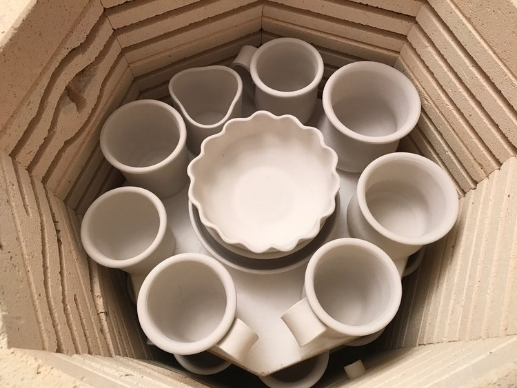 kiln full lots fun stuff wait g - lilpspottery | ello