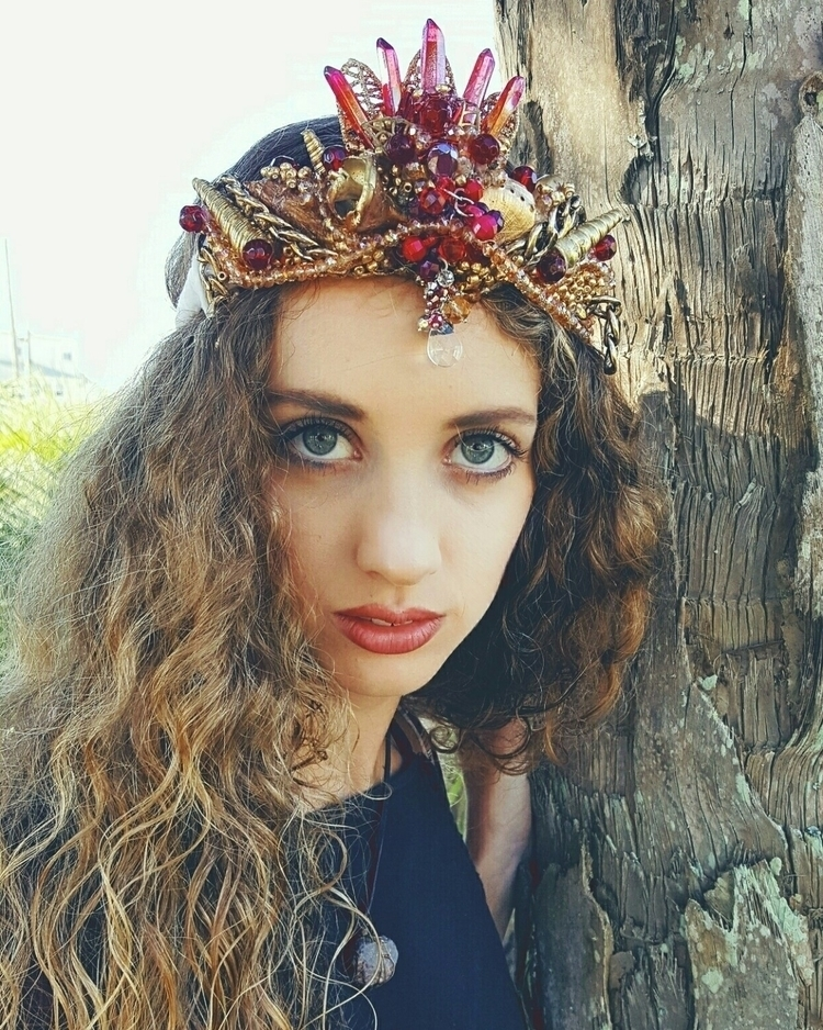 Red aura crystal seashell crown - carlajoseashellcrowns | ello