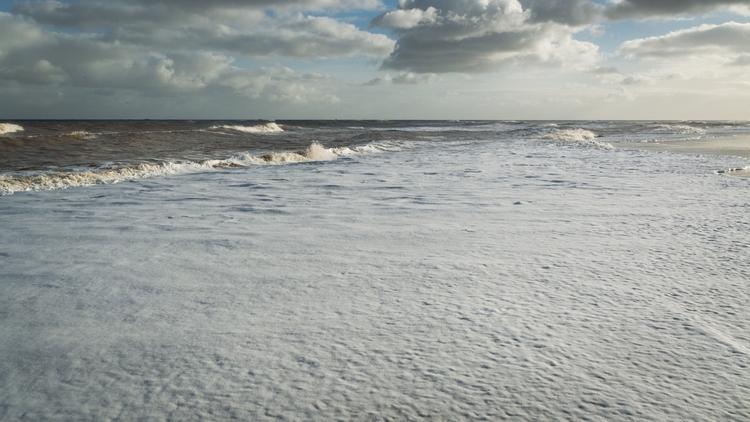 seascape: Southwold Beach - 8, landscape - davidhawkinsweeks   ello
