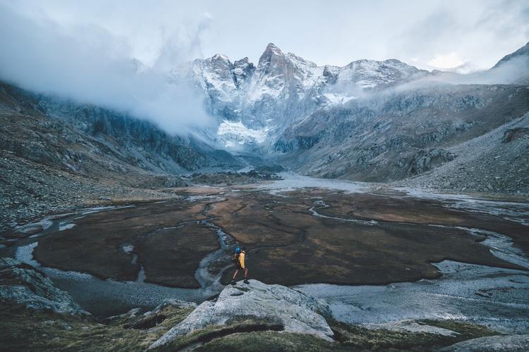 introduce: Pyrenees. France, 20 - rawmeyn   ello