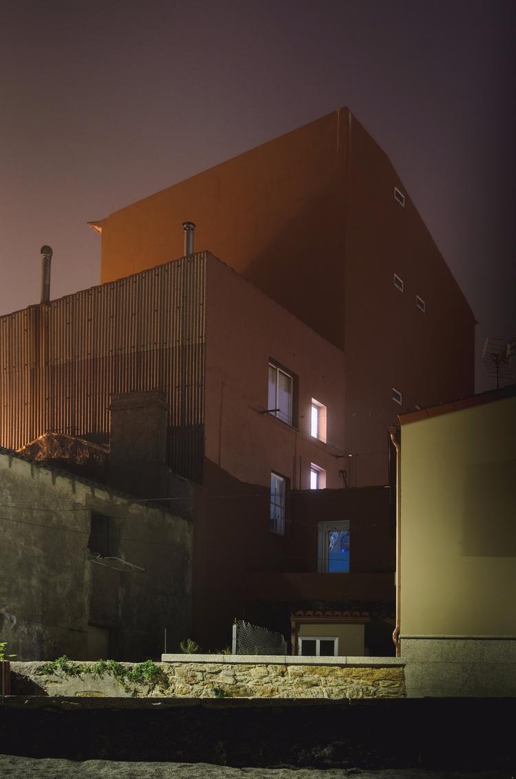 night - noche, house, casa, luz - santi_dieste | ello